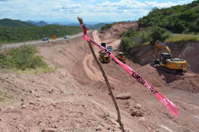 Por falta de pago cerrarán la carretera Izúcar-Huajuapan