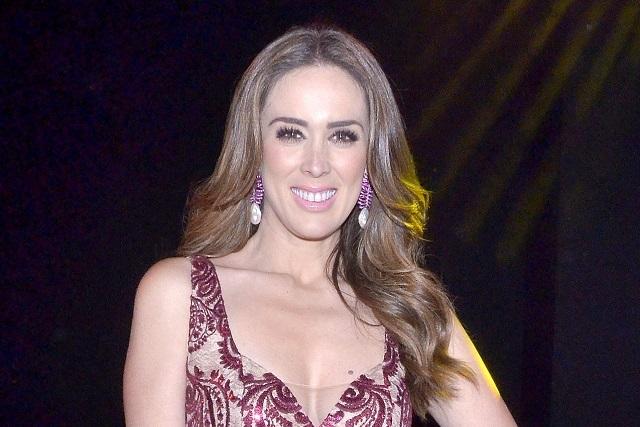 Escenas de cama alejan a Jacky Bracamontes de las telenovelas
