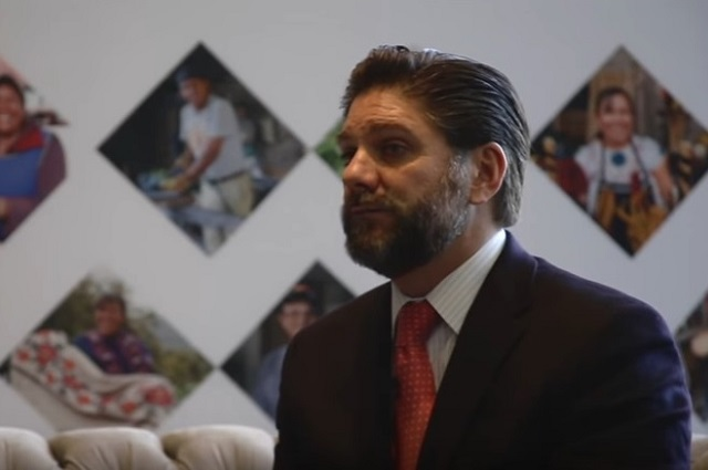 Inteligencia Financiera investiga a ex presidente de la CNBV