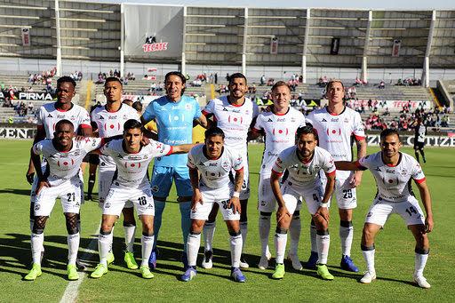 Lobos da vuelta a la página y se mentaliza para duelo en Copa MX