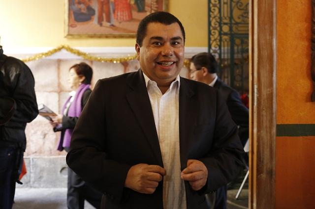Aparece manta en La Paz acusando a Javier López Zavala de oportunista