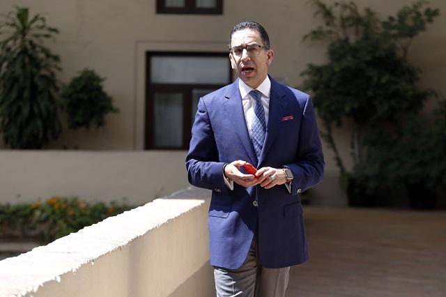 Por discriminar, TEPJF multa con 8 mil pesos a Javier Lozano