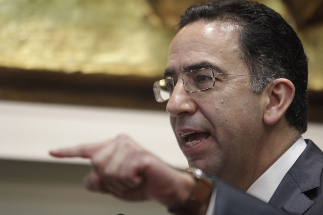 Lozano se suma a la pamba contra AMLO por criticar al Ejército