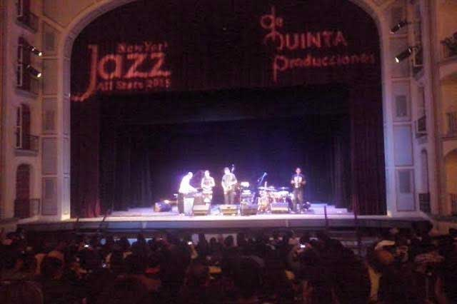 Antonio Sánchez dio espectacular concierto en Puebla