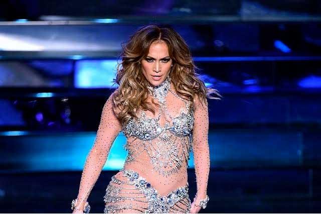 Romance con Drake le cuesta a Jennifer Lopez un millón de dólares