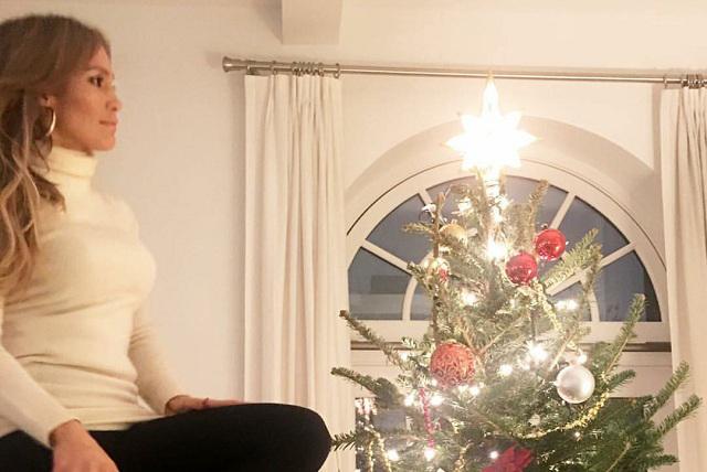 Así se prepara Jennifer López para recibir la Navidad