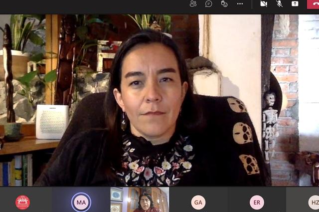 Expone lingüista experiencia educativa en primaria indígena