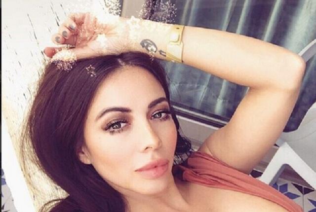 Delicia, sensual y atrevida, la foto de Jimena Sánchez desnuda en el baño