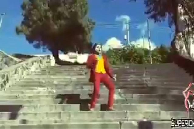 Joker poblano: Joven baila en las escaleras de La Margarita