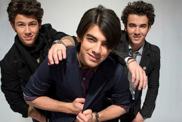 Los Jonas Brothers estrenan el tema What a man gotta do