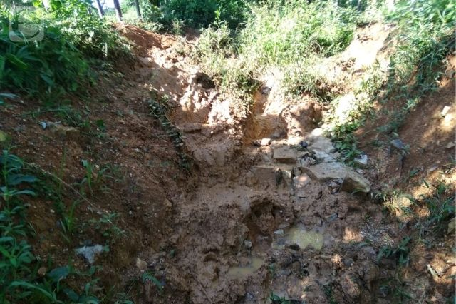 Urge construcción de empedrado en camino real Zaragoza-Jopala