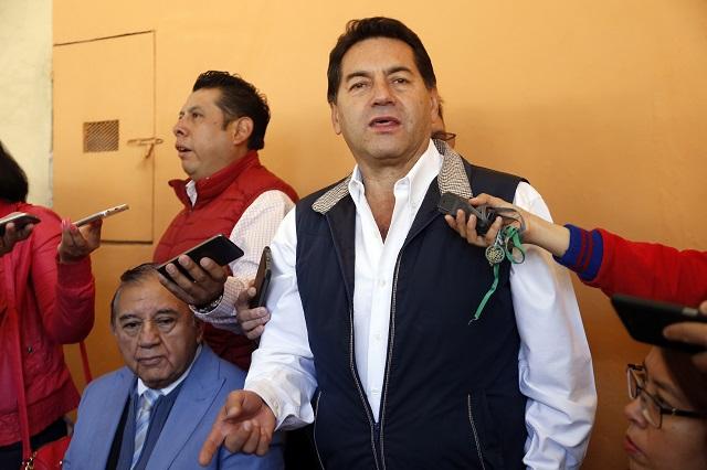 Gobierno presiona a ediles para apoyar a Barbosa: PRI