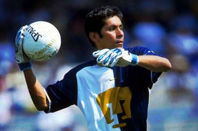 Jorge Campos alza la mano para ser nuevo técnico de Pumas