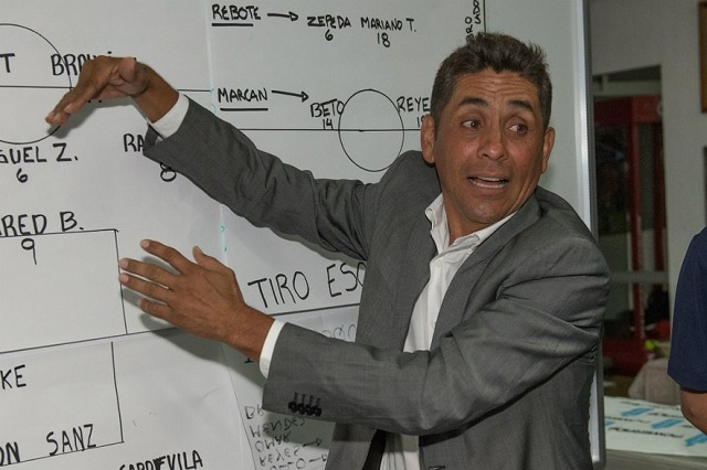 Jorge Campos no descarta ir por la gubernatura de Guerrero
