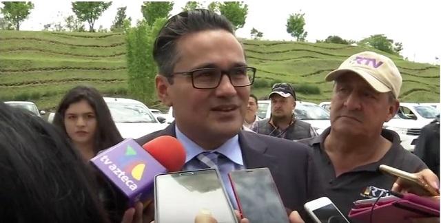 Fiscal de Veracruz reta a diputados y promueve amparo para evitar despido