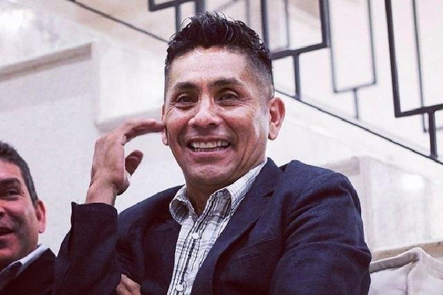 El look de Jorge Campos por el que dicen que es hermano de Albertano