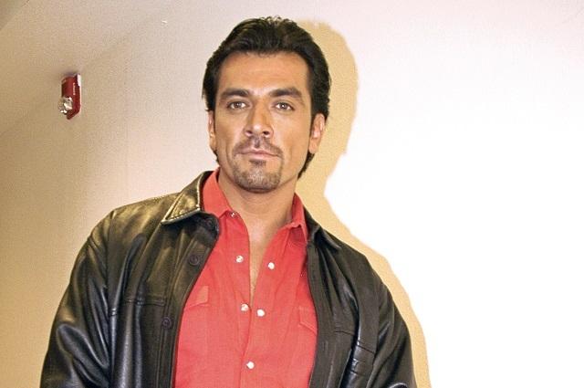 Jorge Salinas reconoce que ha sido un padre ausente