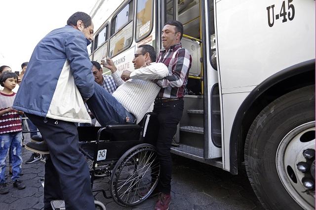 Así de difícil es el transporte de Puebla para discapacitados