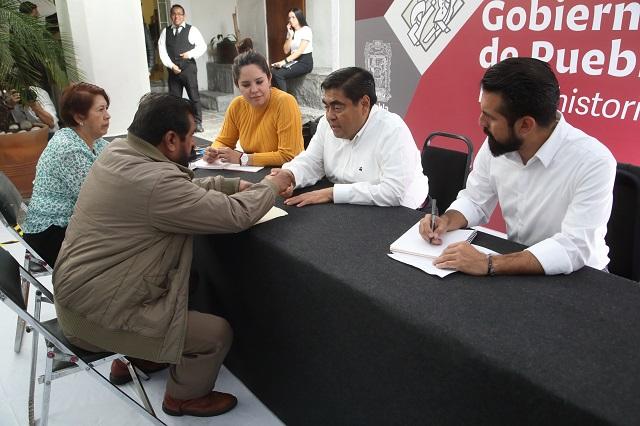 Acuden 400 poblanos a Casa Aguayo por jornada de Atención Ciudadana