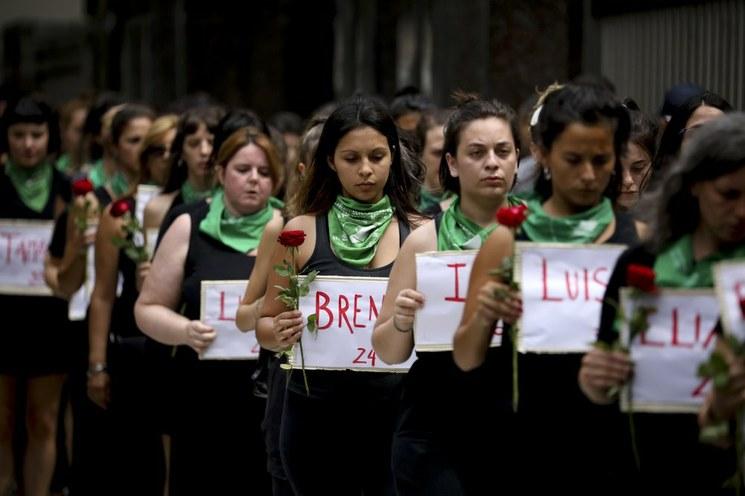 Con militarización de país, más homicidios de mujeres: feministas