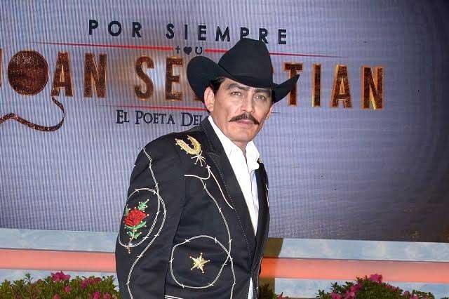 Hijo de Joan Sebastian acusa a periodista querer opacar carrera de su padre