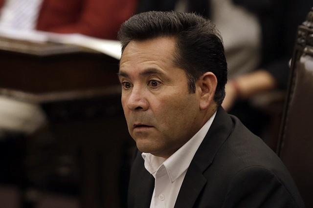 Cae coordinador parlamentario del PES tras apoyar a Armenta