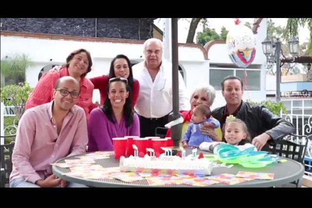 Hijos mayores de José José festejan su cumpleaños
