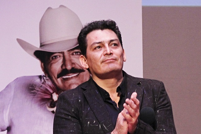 José Manuel Figueroa se disculpa con Maribel Guardia