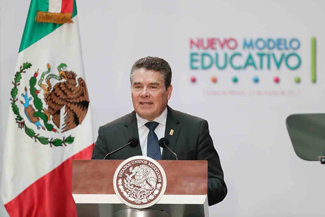 Tribunal revoca amparo que suspendía liderazgo de Juan Díaz en el SNTE