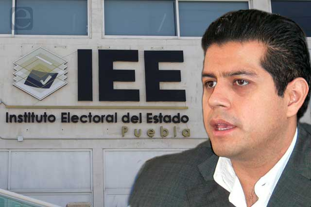 Culpan a personal jurídico del IEE por reveses y coscorrones