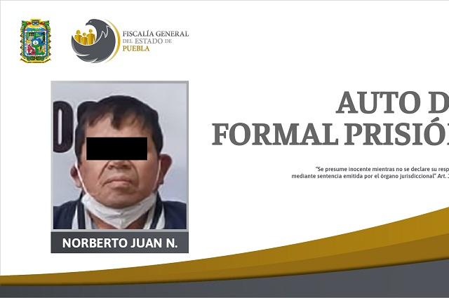 Dan prisión a padrastro por violación de dos niñas, en Puebla