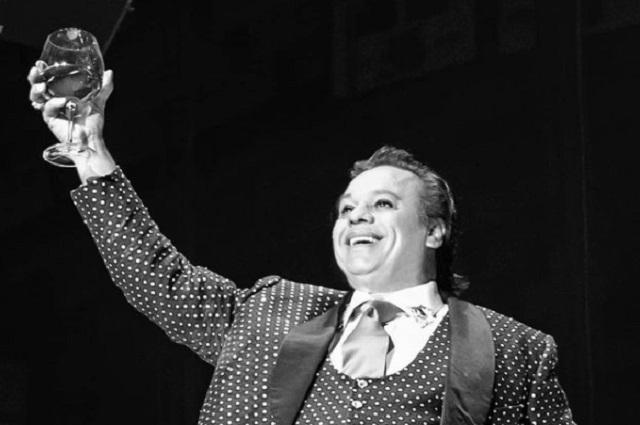 Mexicanos y celebridades recuerdan cumpleaños de Juan Gabriel