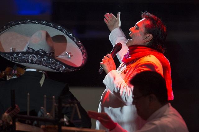 Lanzan lyric video de 'Se me olvidó otra vez', en tributo Juan Gabriel