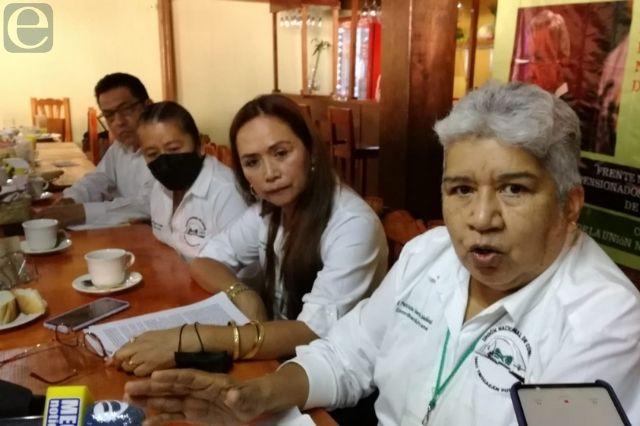 Trabajadores jubilados del IMSS reclaman sus ahorros a AMLO