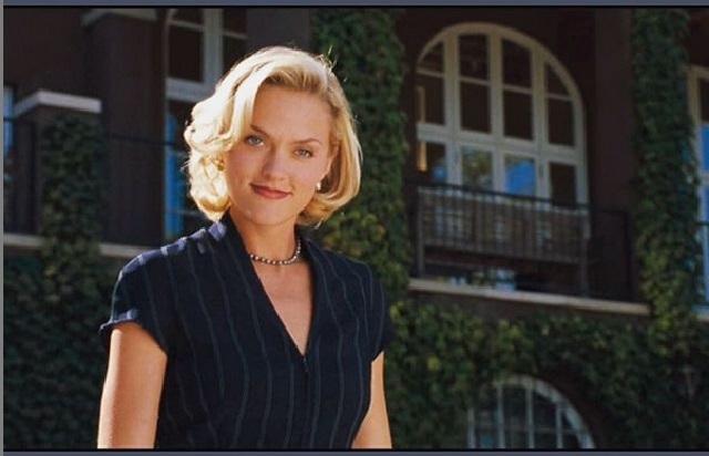 Así se ve la actriz que fue Meredith Blake, la villana de Juego de Gemelas