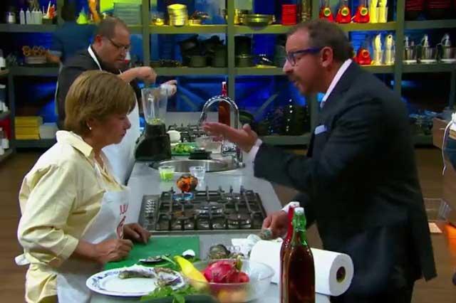 Chef Benito da tremendo regaño y hace llorar a doña Julia en MasterChef