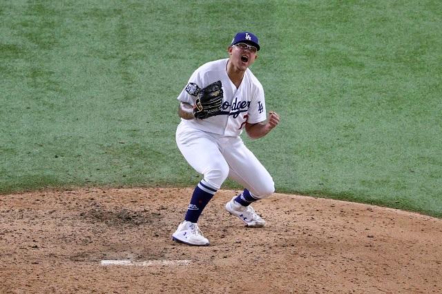 Julio Urías deseoso por hacer toda su carrera con los Dodgers