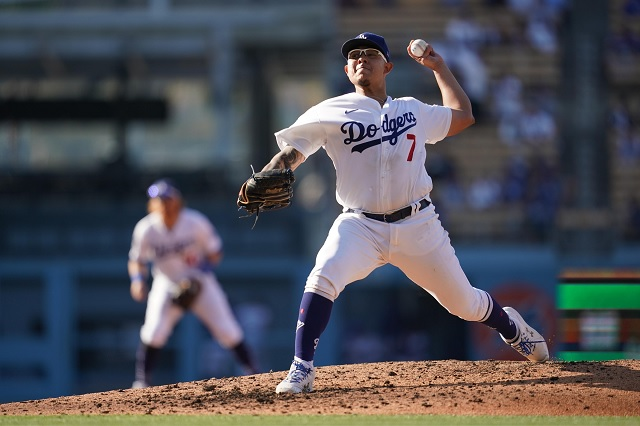 Julio Urías vive tarde complicada con Dodgers; caen ante San Francisco