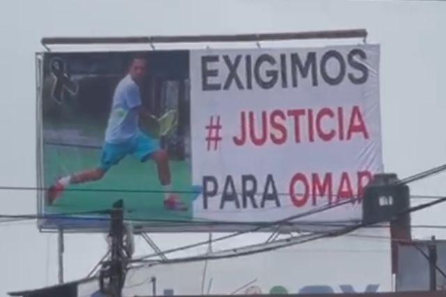 Con espectaculares exigen justicia para Omar López