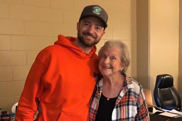 Justin Timberlake cumple el sueño de una fan de 88 años
