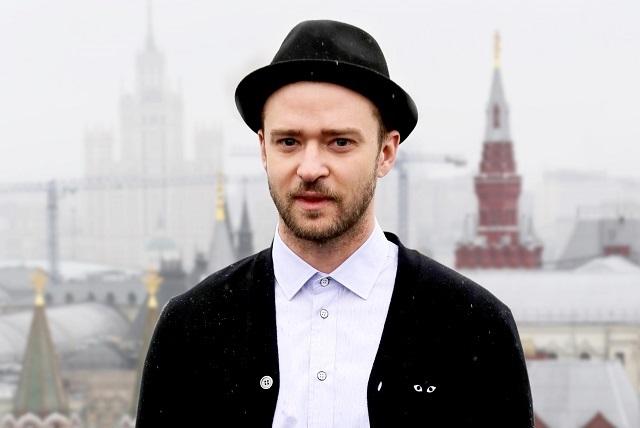 Justin Timberlake sufre ataque durante desfile en París