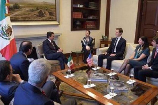 Krauze y Gael García critican que EPN le entregue el Águila Azteca a Jared Kushner