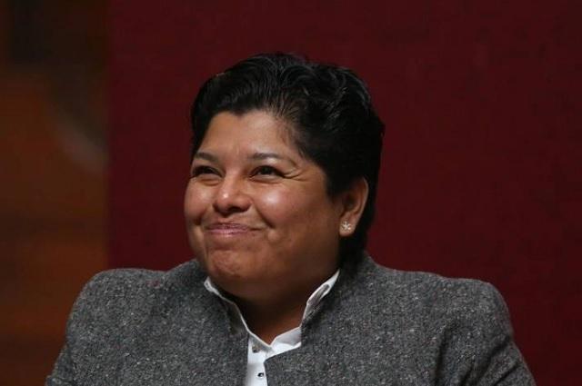 Karina Pérez despide a empleada y le paga con un cheque sin fondos