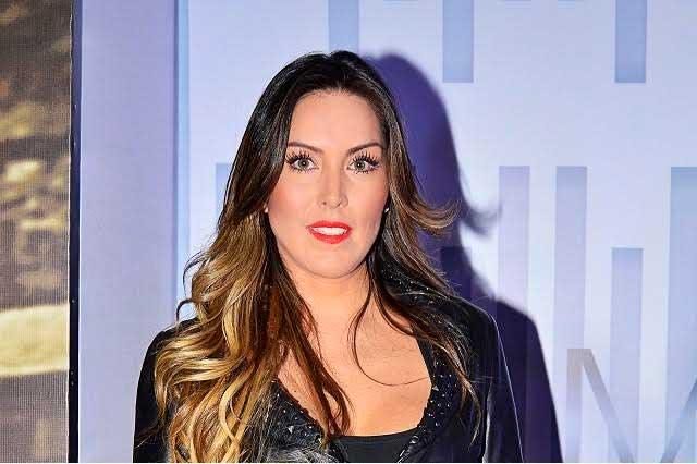 Aquivaldo Mosquera ya hizo el primer depósito a Karla Pineda
