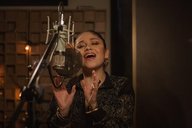 Karol Sevilla y Agnes Nunes se suman a versión multilingüe de 'Desde hoy'