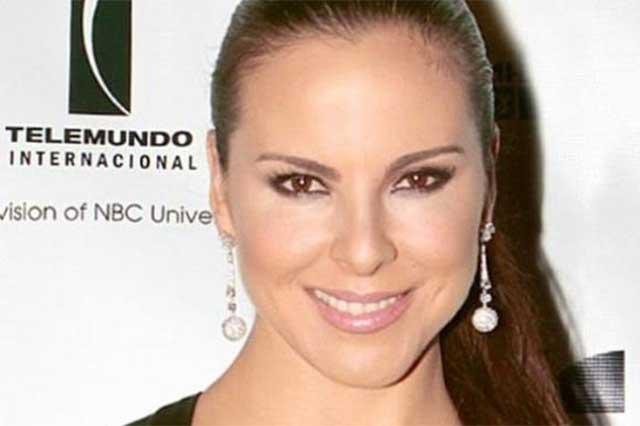 Kate del Castillo acusa a los medios de vincularla con El Chapo