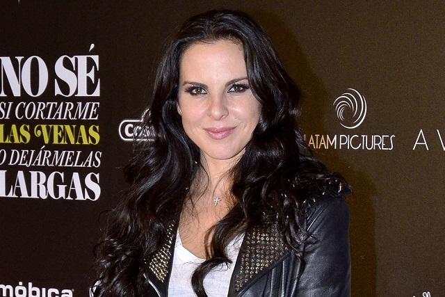 Kate del Castillo se deja consentir por productor de cine