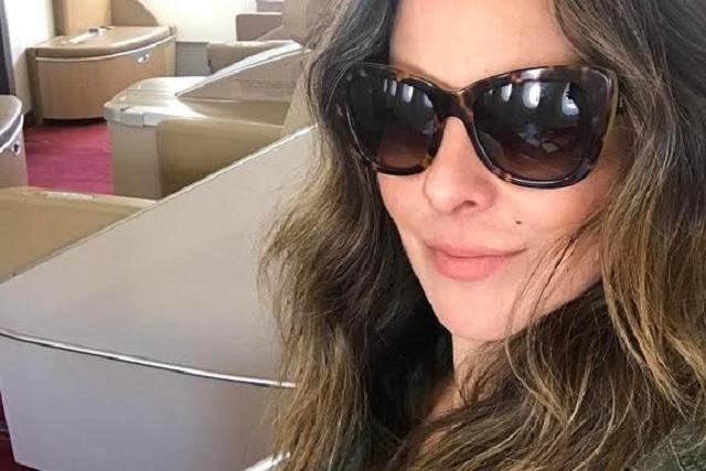 Kate del Castillo presume viaje fuera de Estados Unidos