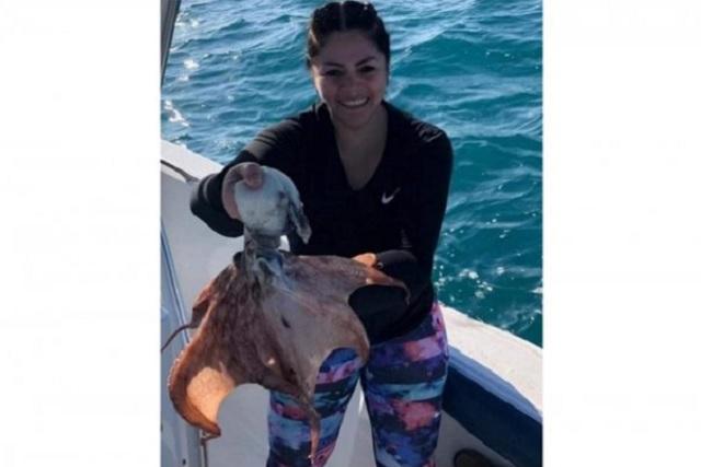Diputada del PAN pesca especie protegida y lo publica en Facebook