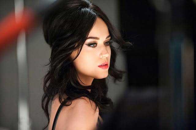 Katy Perry muestra su ropa interior y comparte picara foto en bicicleta